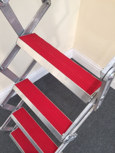 10ft concertina attic ladder stairs non slip treads ebay. Black Bedroom Furniture Sets. Home Design Ideas